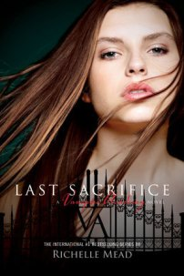 Offical-Cover-Of-Last-Sacrifice-vampire-academy-13991512-300-450